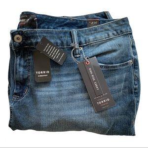 NWT Torrid High Rise Curvy Jeans